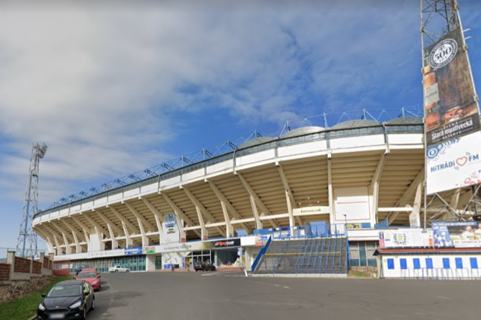 Zimní stadion v Teplicích už přes rok čeká na opravu